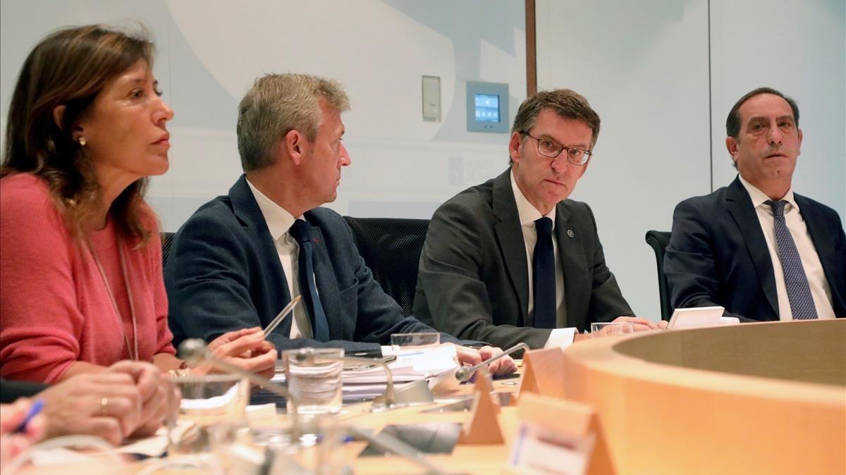La Xunta de Galicia reunida para evaluar la situación ocasionados por los incendios.