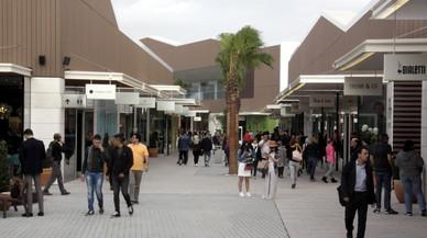 Los comerciantes de Viladecans reconocen que la apertura del outlet no les ha afectado como temían
