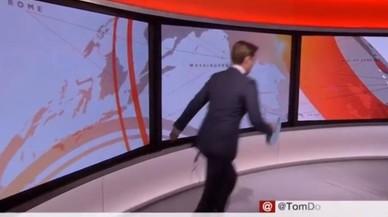 Un presentador de la BBC se equivoca de cámara (varias veces)