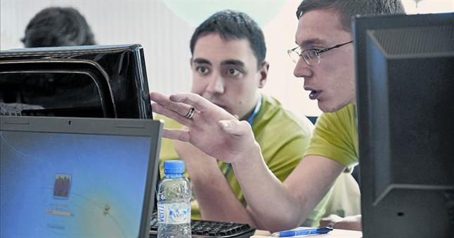 Las 39 hackathones 39 minas de ideas para la banca for Oficina trafico sabadell