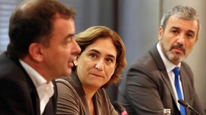 Colau crida ERC a entrar en el govern municipal amb BC i el PSC