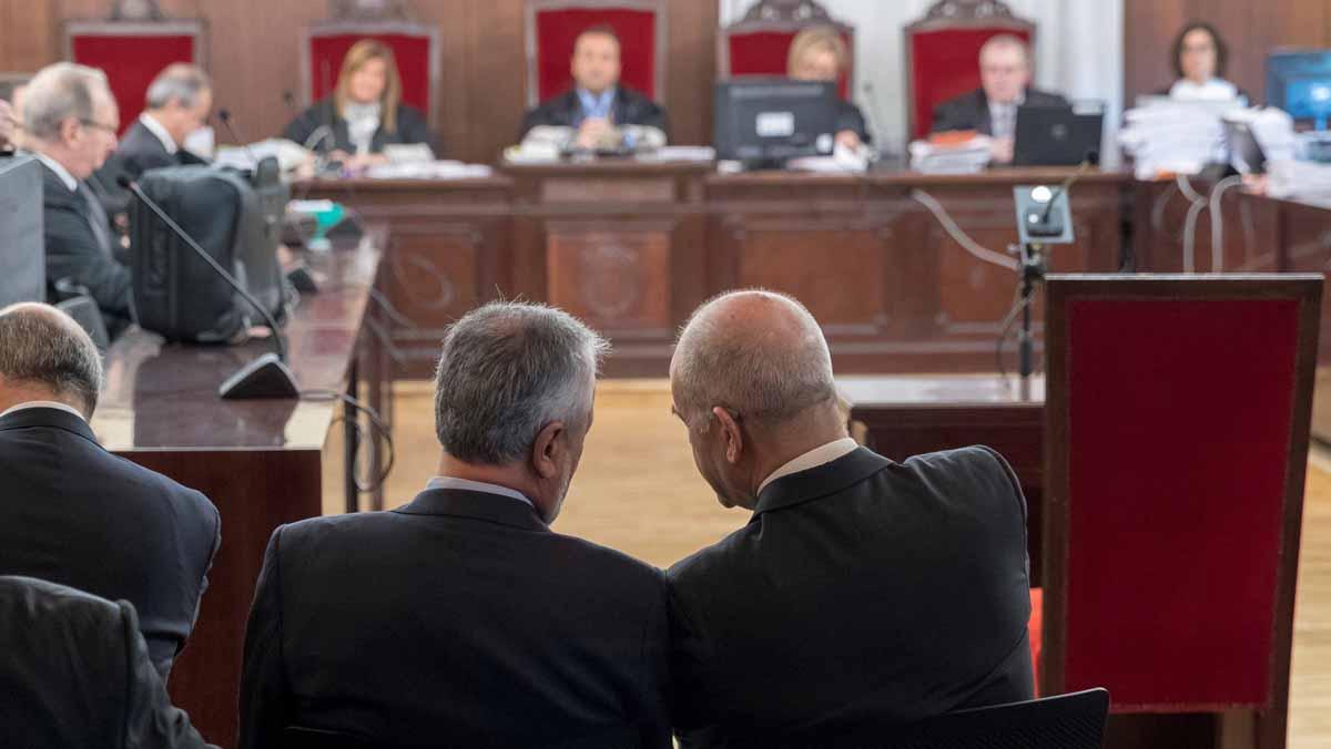 Comienza el juicio de los ERE contra 22 ex altos cargos del Gobierno andaluz
