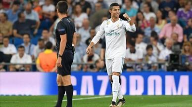 El Madrid golea al Apoel sin brillo (3-0)