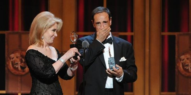 'Kinky Boots' y la cantante Cyndi Lauper triunfan en los premios Tony