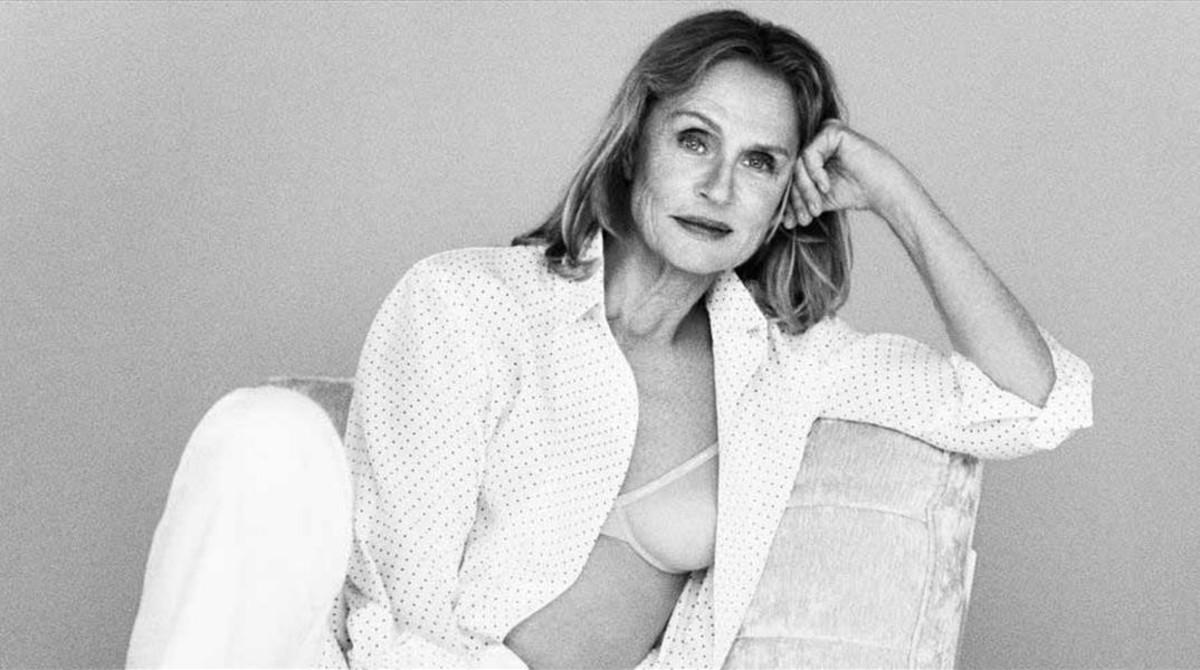 Lauren Hutton posa en sujetador para Calvin Klein