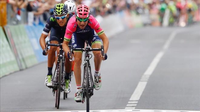 El Movistar deixa escapar l'etapa amb el final més boig d'aquest Giro