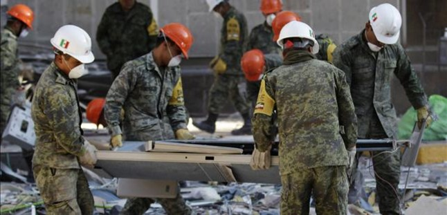 Una acumulación de gas, causa de la explosión mortal en la sede de Pemex de México