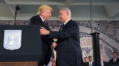 Trump, con Netanyahu, en el Museo de Israel.
