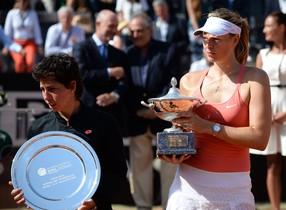 Maria Xaràpova després de guanyar Carla Suárez a la final en el torneig Fòrum Itàlic a Roma.