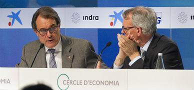 Artur Mas, con el presidente del Cercle d'Economia, Anton Costas, este jueves, 28 de mayo, en Sitges.