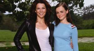 Lauren Graham (izquierda) y Alexis Bledel, en Las chicas Gilmore.