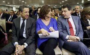 Eduardo Zaplana, Ana Botella e Ignacio González, en el Club Siglo XXI, el 2 de diciembre del 2013.