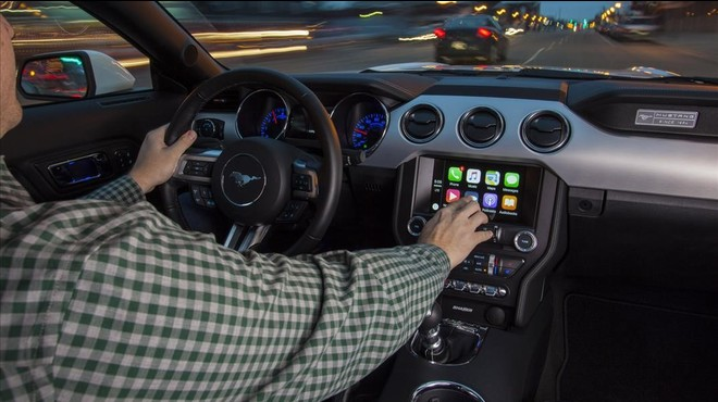 Apple CarPlay en un Ford Mustang.