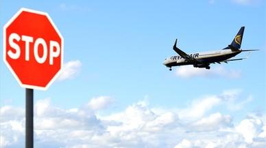 La batalla de las aerolíneas 'low cost' se extiende al fichaje de pilotos