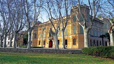 Cornellà presenta una guía de itinerarios para conocer la ciudad 'paso a paso'