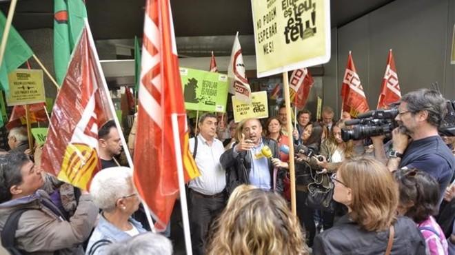 Els funcionaris de la Generalitat començaran a recuperar la paga extra a l'octubre