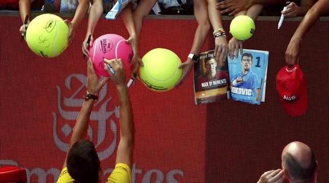 Djokovic admite que intentaron sobornarlo
