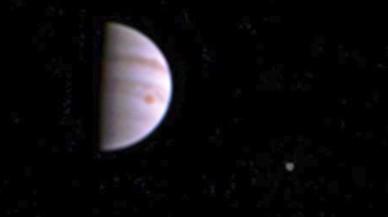 La nau Juno envia la seva primera imatge des de l'òrbita de Júpiter