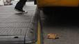 Instal·lades plataformes a les parades d'autobús per facilitar l'embarcament de passatgers