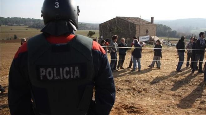 """El Govern, """"predispuesto"""" a retirarse de siete procesos judiciales contra activistas"""