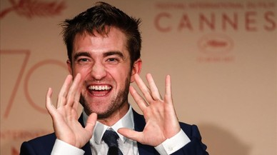 Cannes, als peus de Robert Pattinson