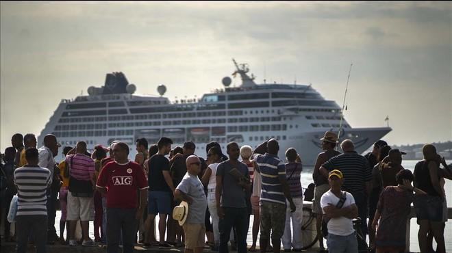 L''Adonia', primer creuer entre els Estats Units i Cuba en 50 anys