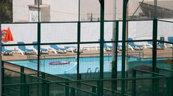 Muere un niño de 10 años ahogado en una piscina en Vilanova i la Geltrú