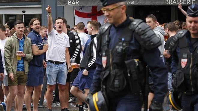 La vergonya dels 'hooligans' continua