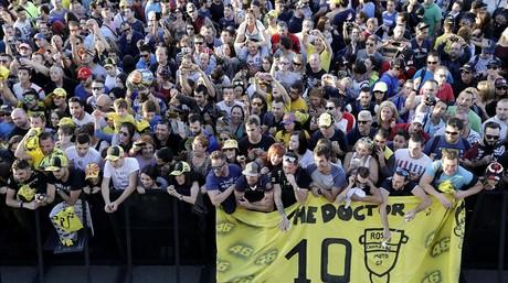 Seguidores de Valentino Rossi, durante el gran premio de Moto GP celebrado en Cheste.