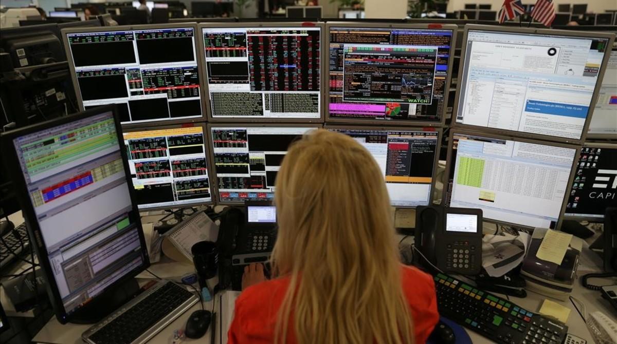 Standard & Poor's quita la m�xima nota a la deuda del Reino Unido