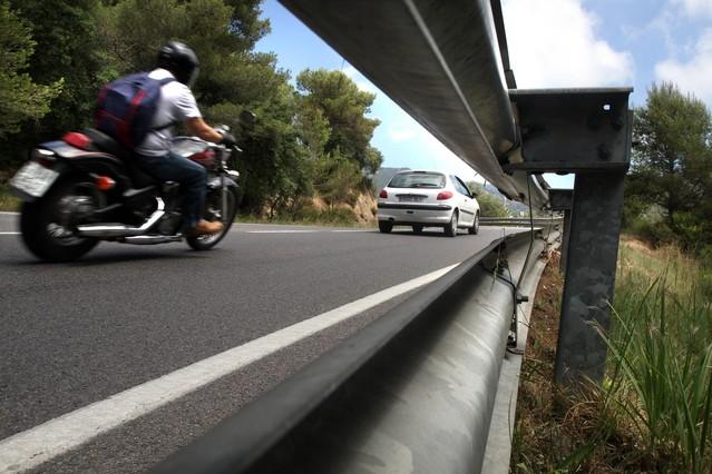 Trànsit estudia segregar el tráfico de motos para bajar los accidentes