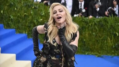 Madonna es diverteix amb el seu nòvio al Bairro Alto de Lisboa
