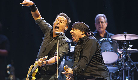 Arranque de gira europea Wrecking Ball de Bruce Springsteen & The E Street Band en el Estadio Ol�mpico de La Cartuja de Sevilla.
