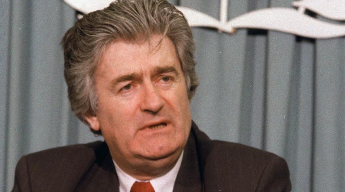 Karadzic habla ante la prensa en el cuartel general de la ONU, en 1993.