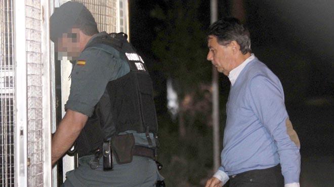 Los registros en el despacho de González se alargan durante más de cinco horas