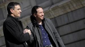 Sánchez e Iglesias, en el Congreso de los Diputados tras la reunión que mantuvieron el 30 de marzo del 2016.