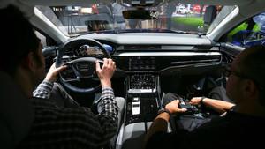 Interior del Audi A8 durante su presentación en Barcelona.