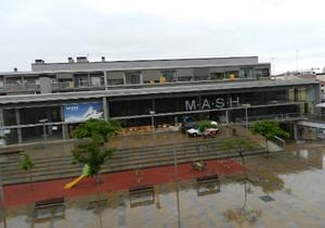 Aspecto de la Plaça de la Muralla de Mataró, donde el gobierno del PSC propone situar la Biblioteca Popular actualmente en la Plaça de lAjuntament.