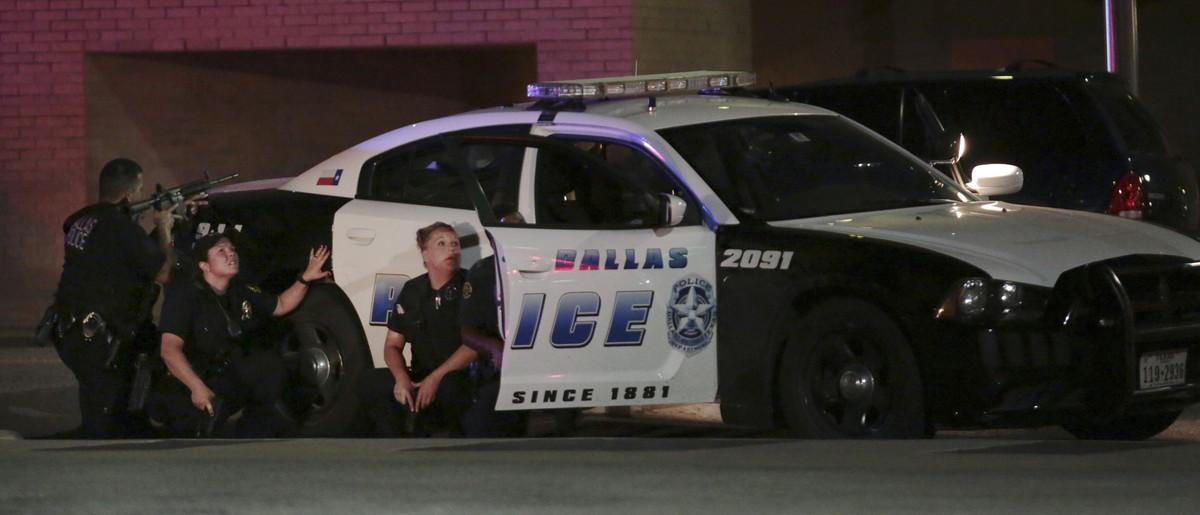 Un dels sospitosos del tiroteig diu que ha col·locat bombes a Dallas