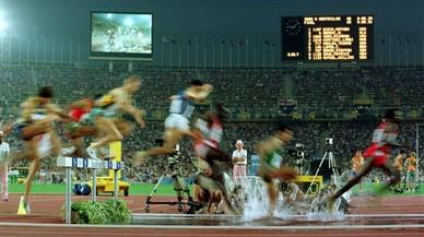 Final de los 3000 metros obstáculos masculinos en el Estadi Lluis Companys.