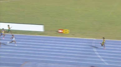 Una nena de 12 anys es queda a 2 segons del rècord mundial de 200