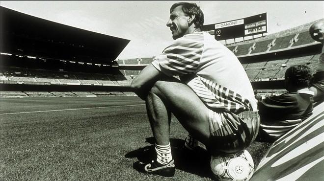 Johan Cruyff, en su 'despacho' del Camp Nou.