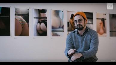 Matty Mo, 'The Most Famous Artist', exhibe desnudos tomados de Snapchat en la exposición'Feliz Cumpleaños'.