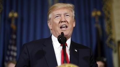 Trump acusa els mitjans de tergiversar els seus comentaris sobre els supremacistes