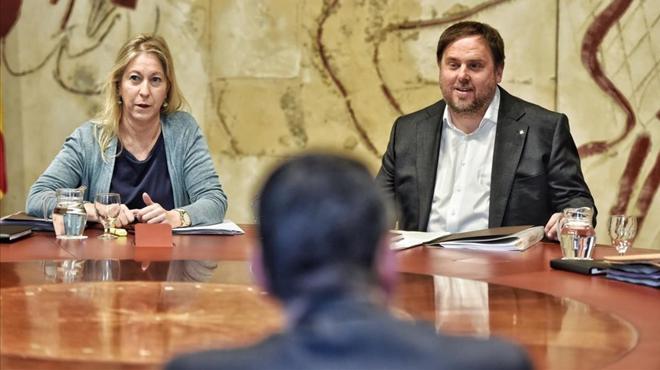 El Govern afirma que garantizará la seguridad jurídica de los funcionarios pese al revés del TC al referéndum