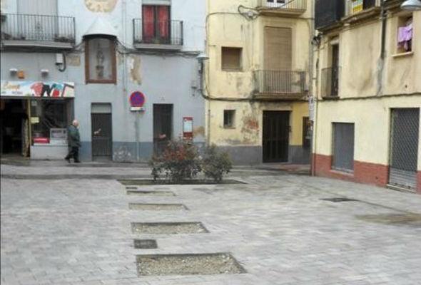Una plaza de Valls en muy mal estado