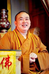 El abad Shi Yongxin, en el templo de Shaolin, en agosto del 2011.