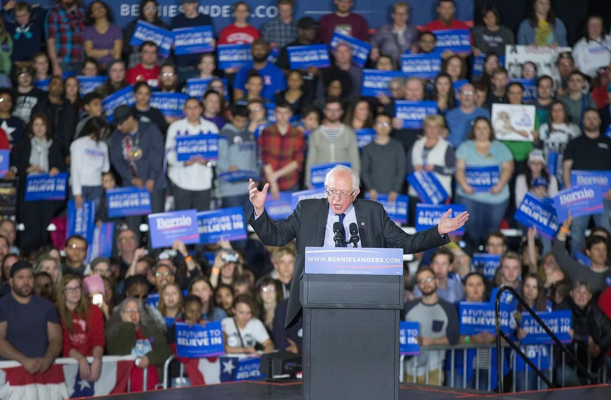 Bernie Sanders, durante un acto de campaña en Madison (Wisconsin).