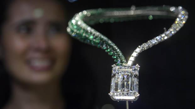 Subhastat el diamant color D sense fissures més gran per 28,8 milions deuros