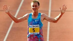 Sondre Moen, entrando vencedor en Fukuoka.